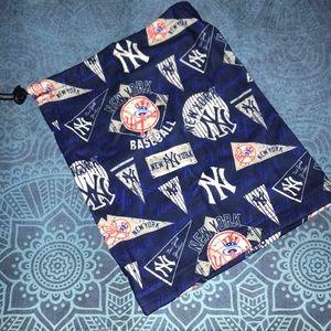 New super soft NY Yankees neck gaiter